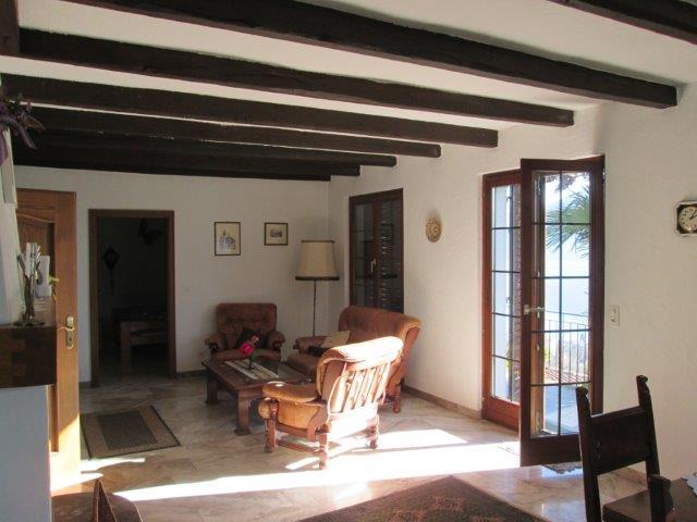 Ferienhaus mit 2 Wohnungen und Pool Minusio 6