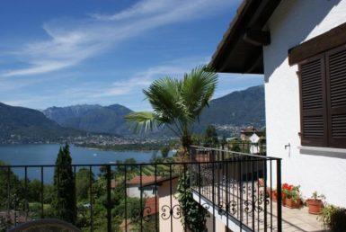 Villa mit Studio und prachtvoller Seesicht 1